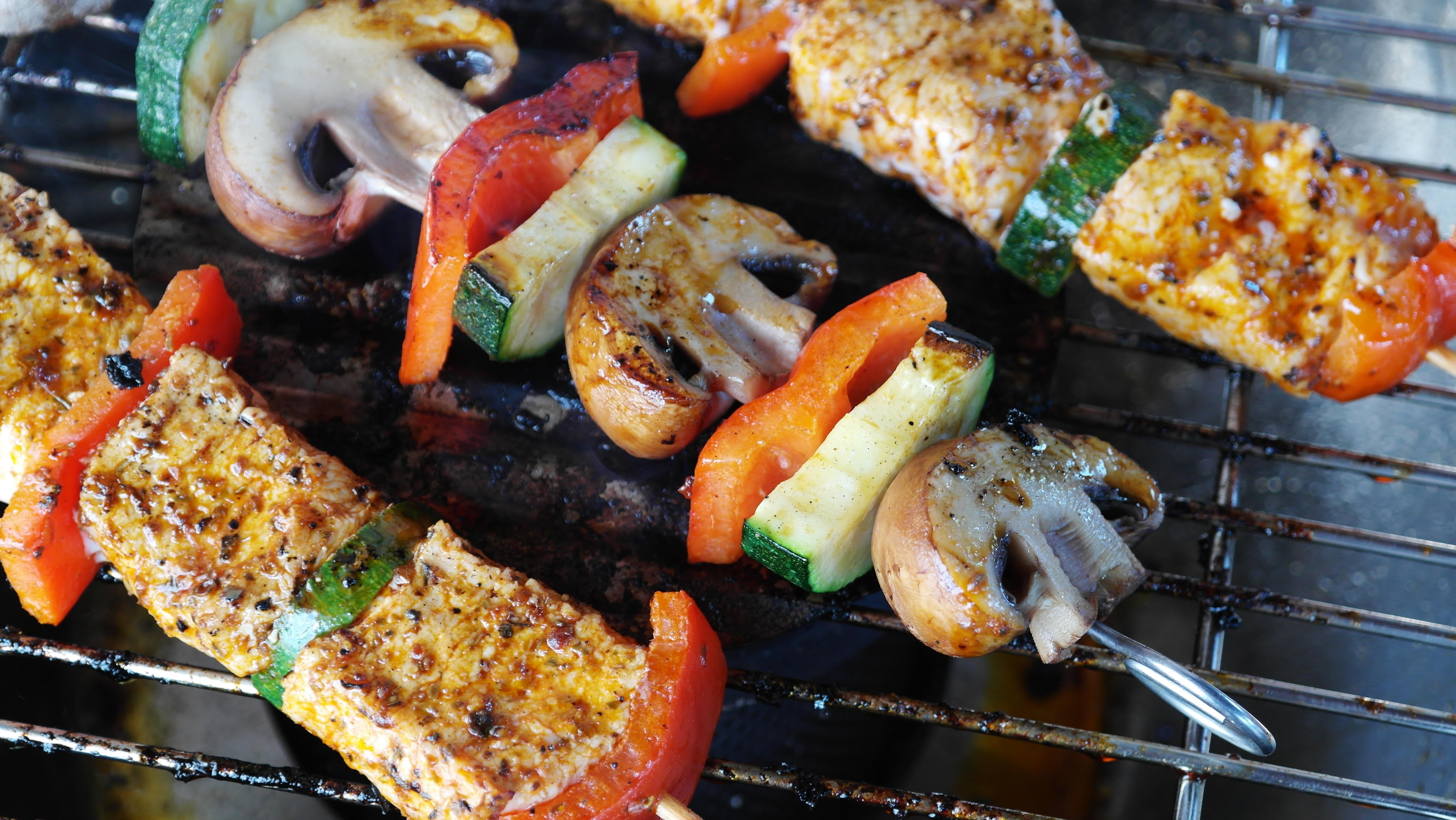 Barbecue viande et végétarien