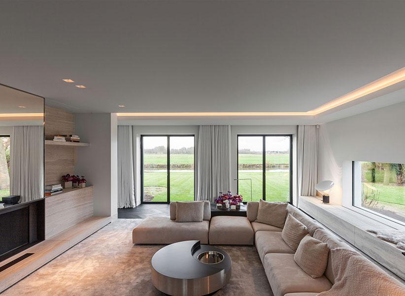 Spanplafond in de woonkamer